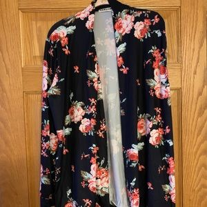 Ecowish, size XXL black and floral cardigan
